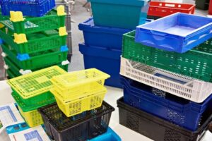 Advantages of Using Plastic Boxes for Distribution