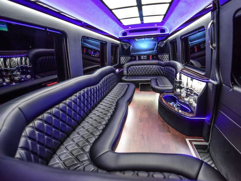 Know Why To Book Toronto Party Bus